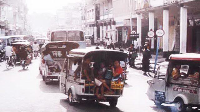 View of Jalan Gajah Mada Denpasar before 1990s.
