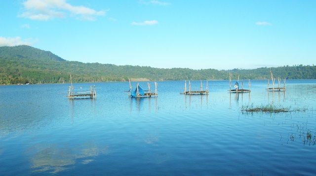 Lake Buyan, Bali